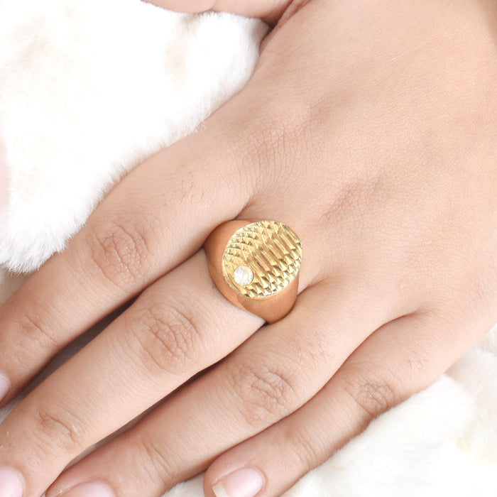 Premium Jewellery Golden Ring For Ladies-Golden-AN1240