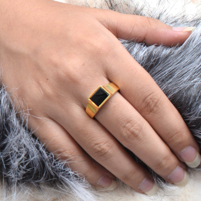 Premium Jewellery Golden Ring For Ladies-Golden & Black-AN1163