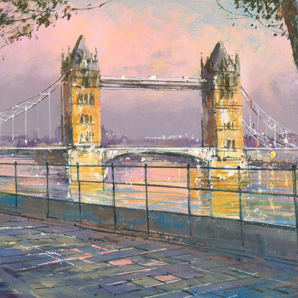 LM003 Tower Bridge from Embankment