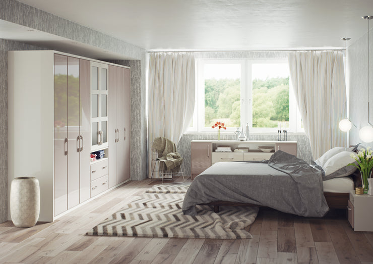Contemporary bedroom with Turin style cupboard doors
