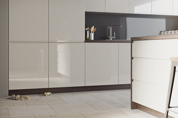 Fusion Mussel Hi-Glosscupboard doors with an integrated J-Pull handle and horizontal grain