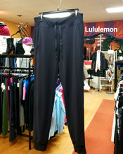Load image into Gallery viewer, Lululemon Ready To Rulu Pant - Size 8