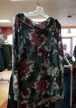 Load image into Gallery viewer, Cleo Size M PETIT Gray/Plum/Teal Floral Top - Like New