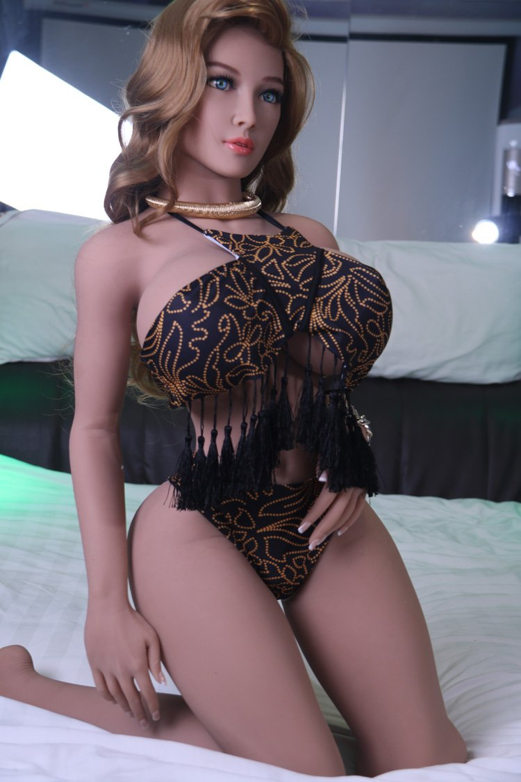 signe 153cm brown hair curvy giant massive tits jy athletic tan skin tpe sex doll