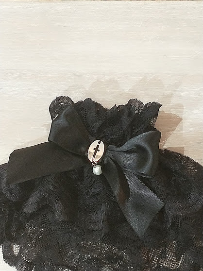 LACE CUFFS WITH PEARL (BLACK)