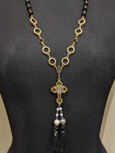 GRAMM Black beads cross necklace