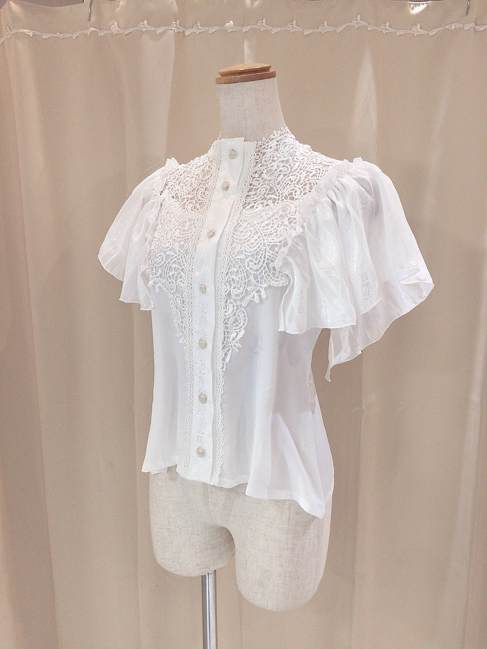 CROCHET LACE BLOUSE