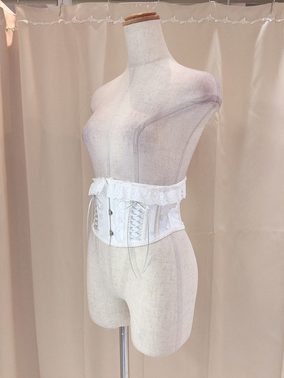 SILVER THREAD VERY SHORT CORSET(WHITE×SILVER)