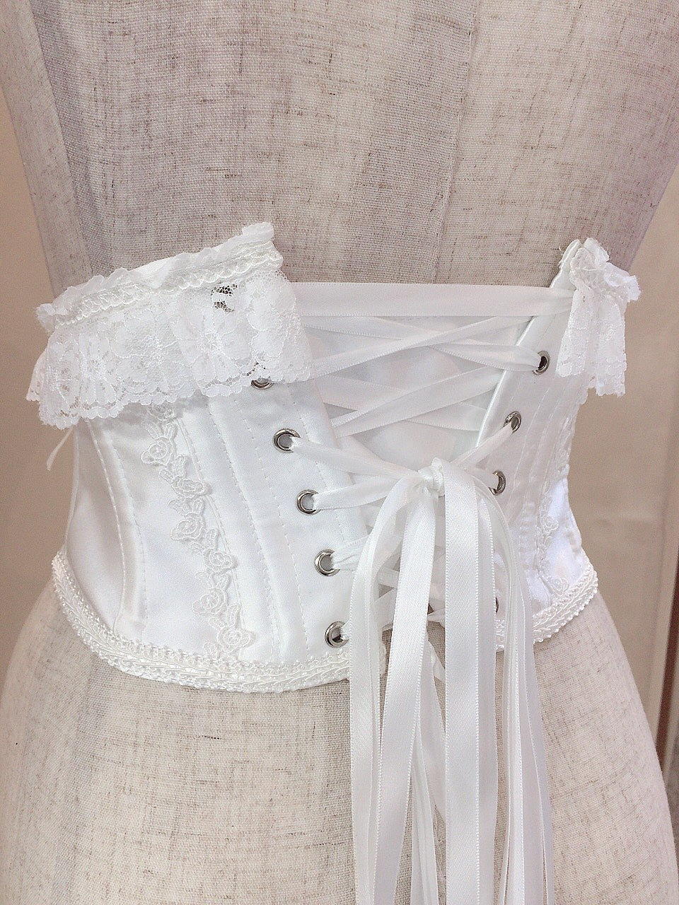 LACE UP VERY SHORT CORSET(WHITE)