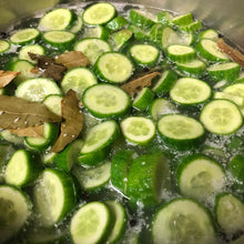 Load image into Gallery viewer, House Made Pickles Sliced  1 L