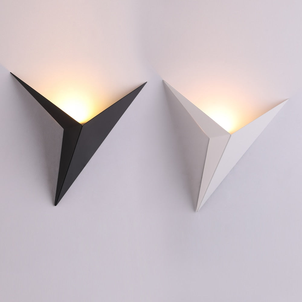 Triangle Corner Led Light Wall Lamp I DECOINTERIORS