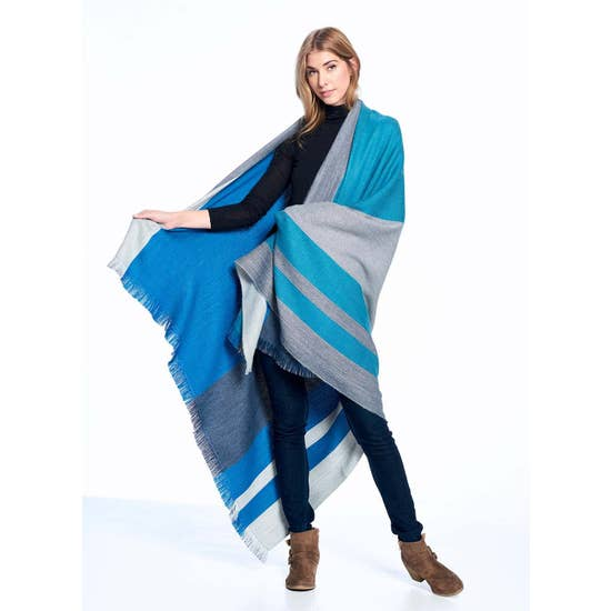 Alpaca Reversible Throw - Blue Nile