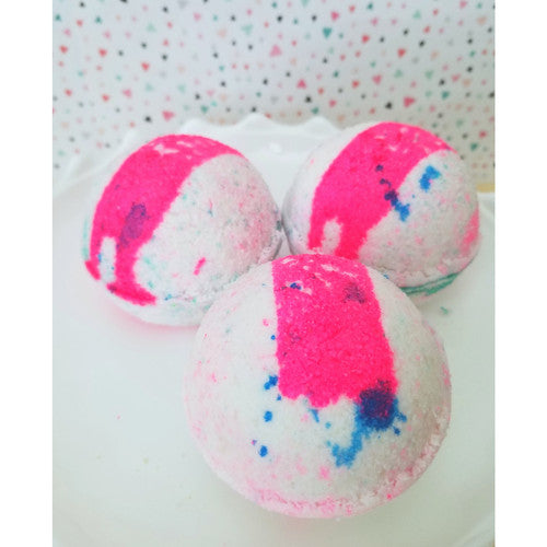 Apple & Sage ~ Handmade Luxurious Bath Bomb