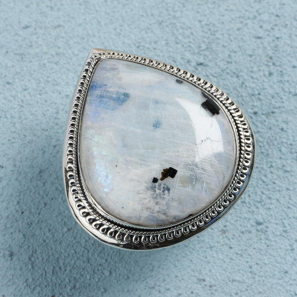 Isolde Moonstone Ring | US 8 (UK Q)