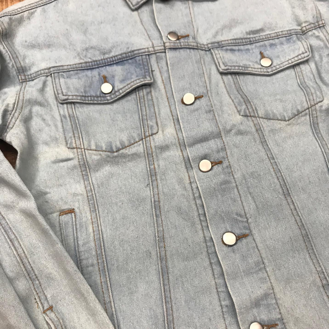 LIGHT WASH DENIM JEAN JACKET