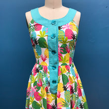 Load image into Gallery viewer, RETROLICIOUS- PINEAPPLE DRESS