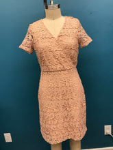 Load image into Gallery viewer, YUMI- PINK LACE DRESS