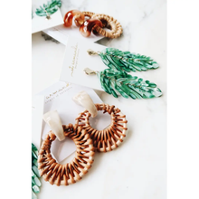 Load image into Gallery viewer, ST. ARMANDS- CREAM RATTAN EARRING