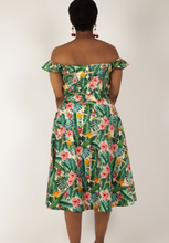 Load image into Gallery viewer, VOODOO VIXEN- TROPICAL FLORAL SKIRT