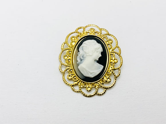 Vintage Cameo Filigree Brooch