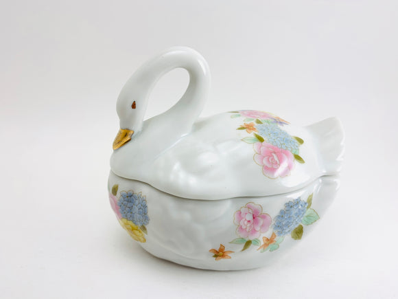Vintage Lefton Bone China White Floral Swan Trinket Box