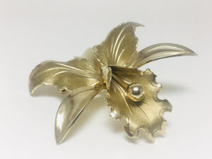 Hawaiian hibiscus Gold Tone Brooch