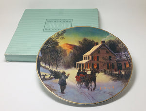 "1989 Avon Christmas Plate ""Home For The Holidays"" Porcelain Plate 22K Gold Trim"