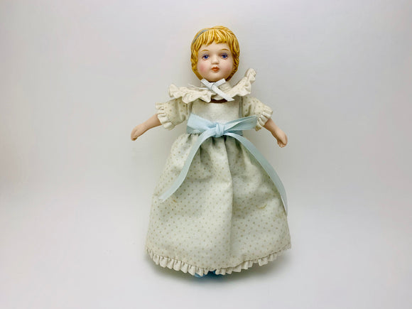 1983 Avon Victorian Hand Painted Porcelain Collector Doll