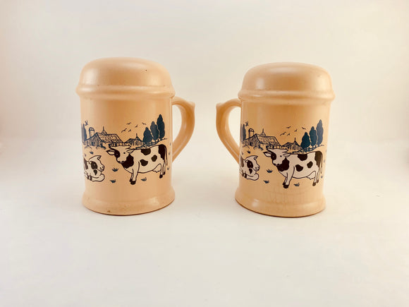 1950's Giftcraft Country Home Salt and Pepper Shakers