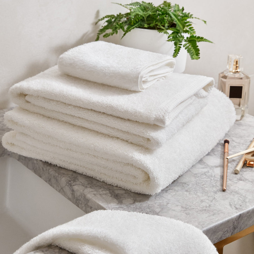 Simple Border Bath Towel Set Of 2