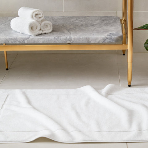 Simple Border Bath Mat