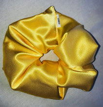 Load image into Gallery viewer, XXL Scrunchie & Satin Mask