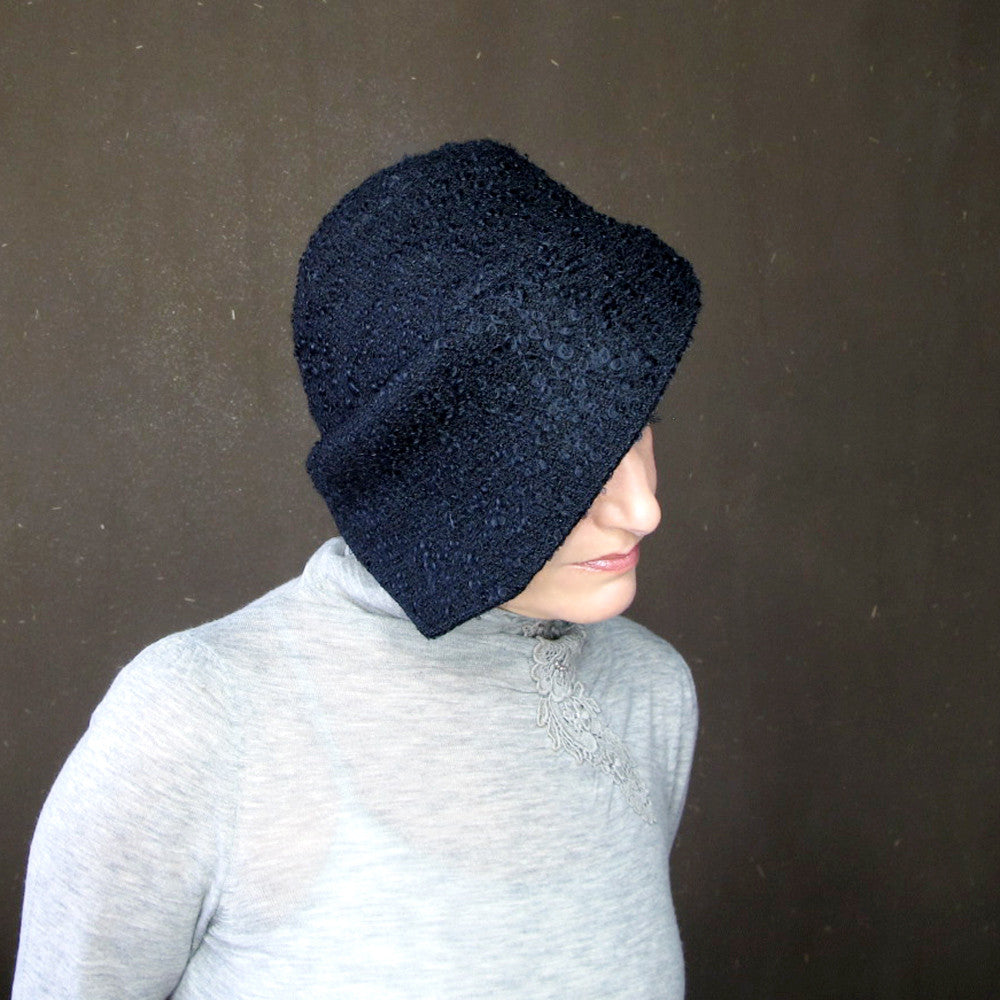 Handmade brimmed cloche in black wool - terry graziano
