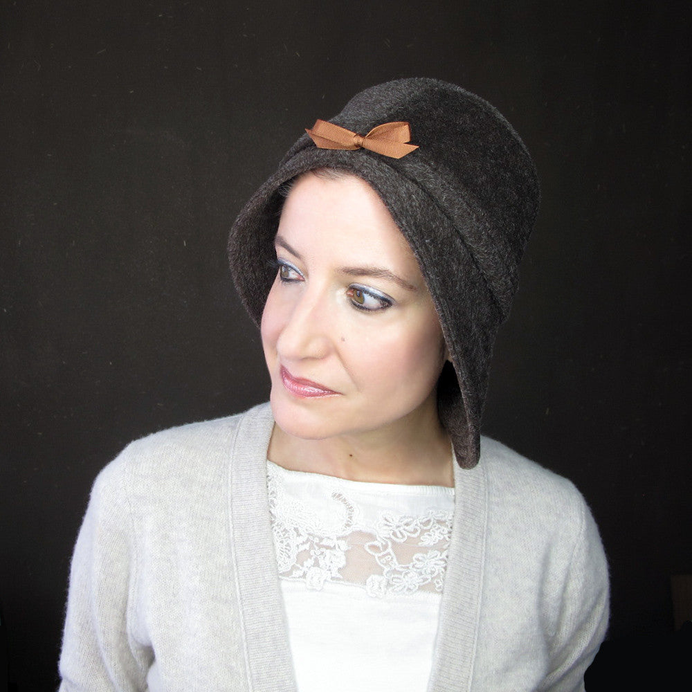 Warm cloche hat in chocolate brown - terry graziano
