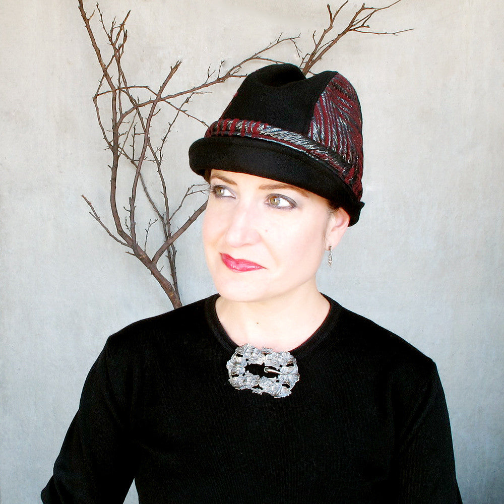 Womens brimmed cloche in black & oxblood - terry graziano