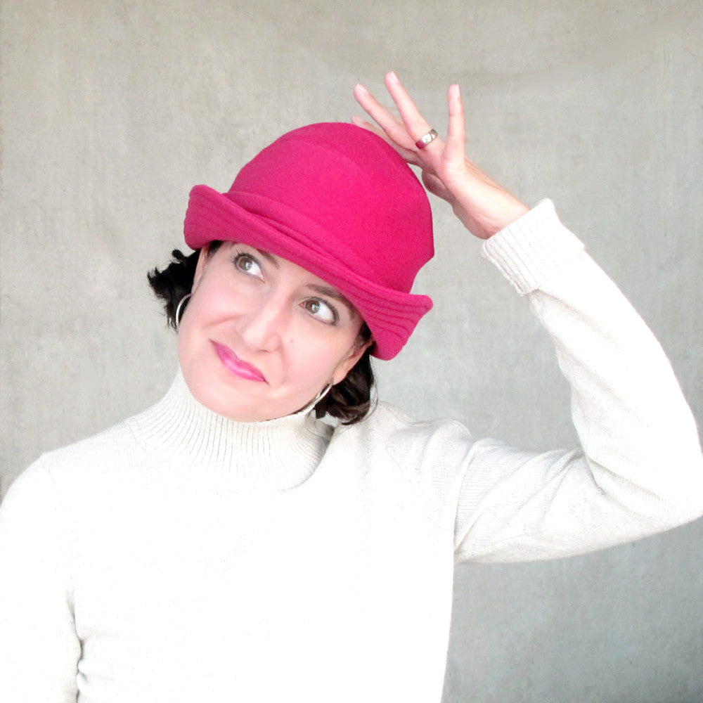 Womens bowler hat in rose red wool - terry graziano