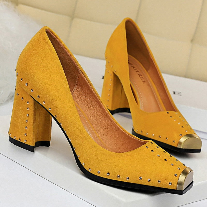 Fashion Women Pumps Rivet Metal Heels Women Shoes Flock Sexy Square Heels Shoes Ladies Red Black Office Party Wedding Shoes