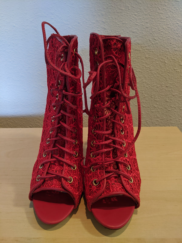 Madison - Size 8 - Red