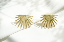 Load image into Gallery viewer, Palm earrings - dearkatiopae