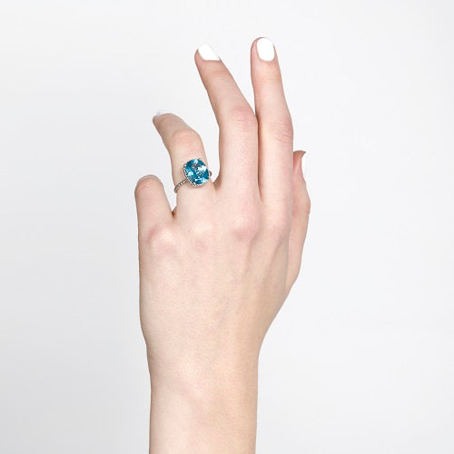 TESSA RING IN WHITE GOLD WITH BLUE TOPAZ