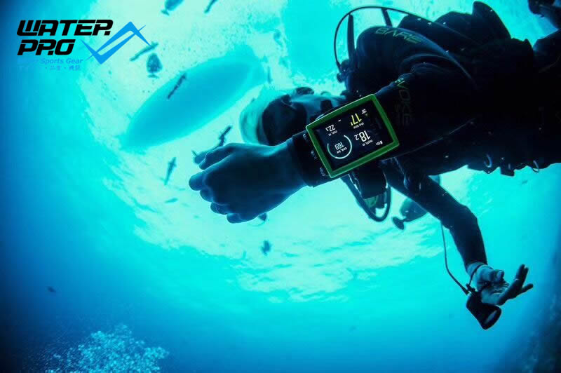 SUUNTO EON CORE DIVE COMPUTER - The Eagle Ray Dive Shop