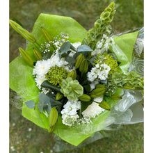 Load image into Gallery viewer, Bells Of Ireland Flower Bouquet