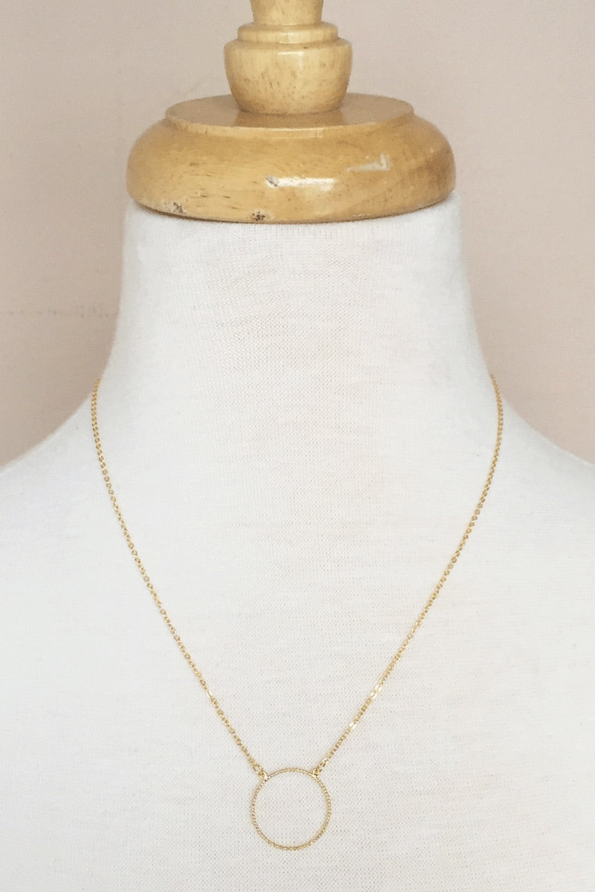 Elizabeth Gold Circle Necklace