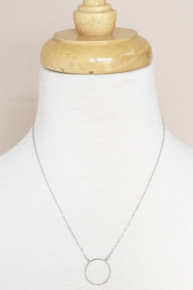 Elizabeth Silver Circle Necklace