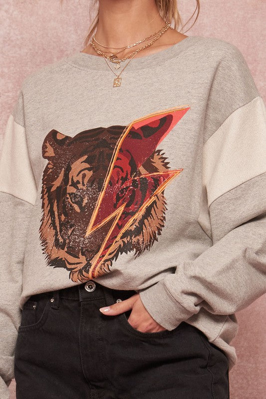 Tiger Vintage Graphic Sweatshirt
