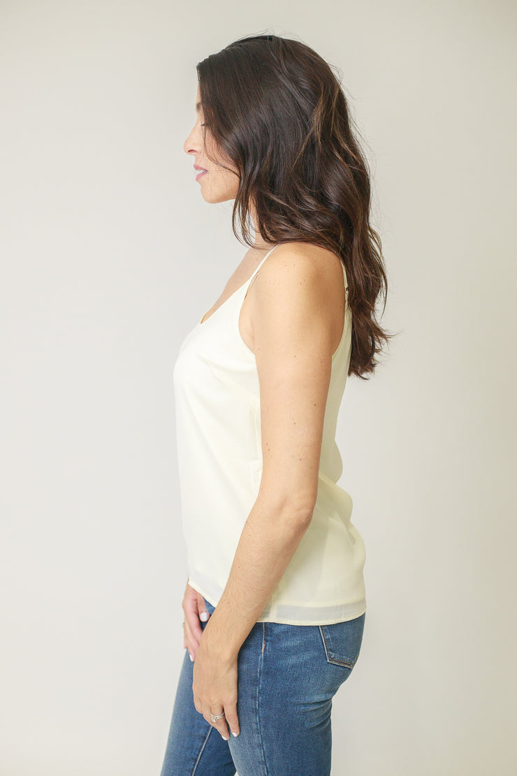 Scoop neck classic white cami top with adjustable straps