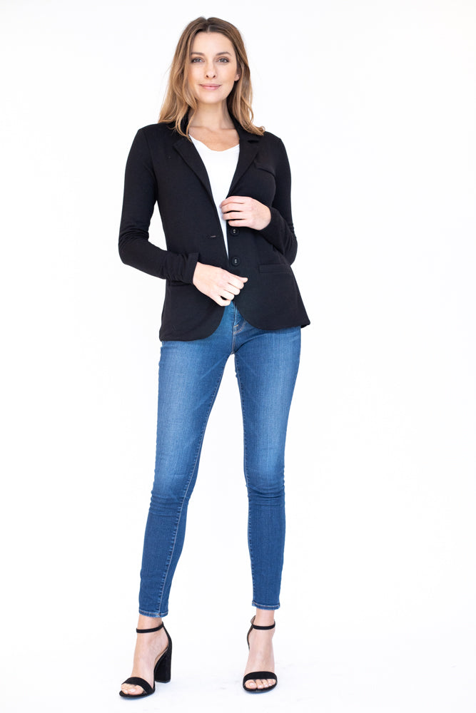 Classic and comfortable black blazer