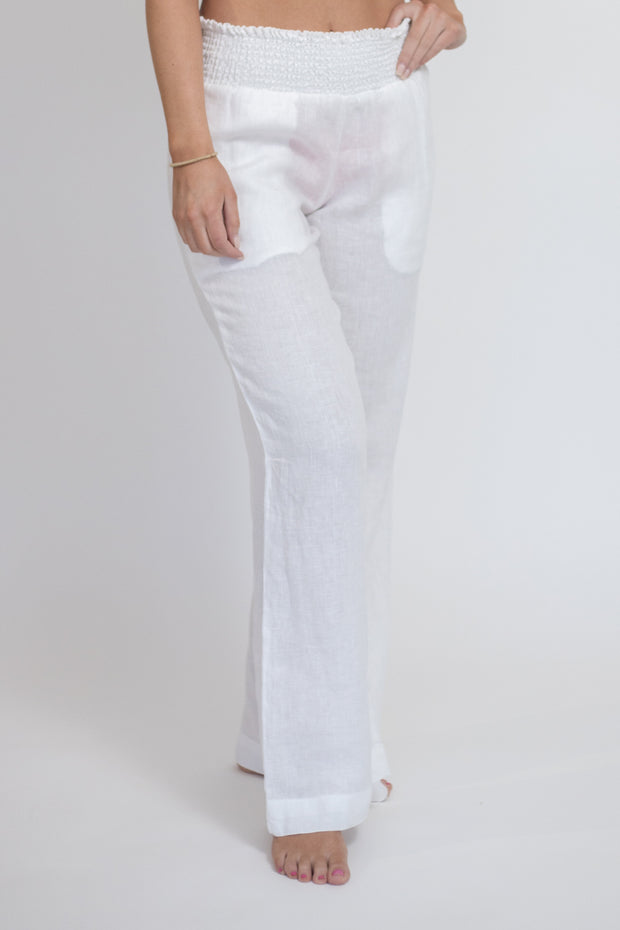 Flowy linen pant with pockets and smocked waistband