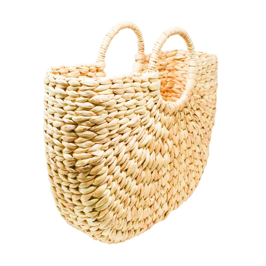 Straw tote bag with circular handle that keeps its shape, in a medium size