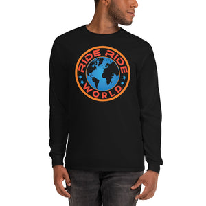 An image of a man wearing the RRW medallion long sleeve shirt in the color black.